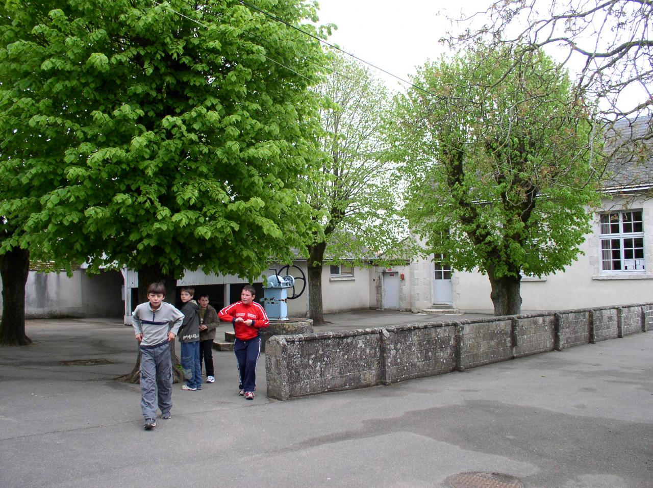 Ecole 2005 avant travaux-1